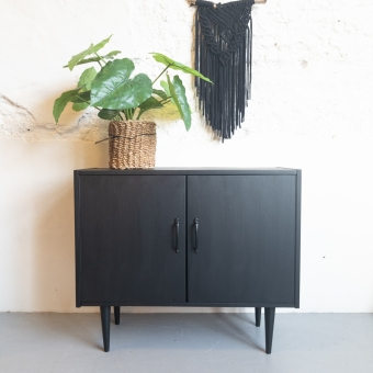 Vintage kastje Coal Black Fusion Mineral Paint Goed Gestyled Brielle