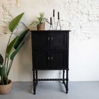 Half hoge kast mat zwart coal black fusion mineral paint Goed Gestyled Brielle