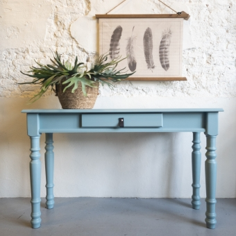 sidetable heirloom fusion mineral paint. goed gestyled brielle